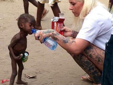 Cậu bé hai tuổi bị bỏ đói suýt chết vì nghi là phù thủy