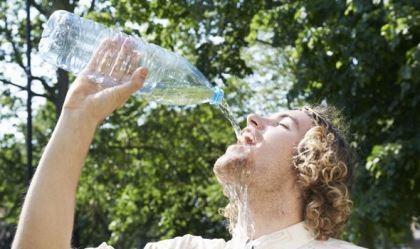 Uống bao nhiêu nước một ngày là đủ?