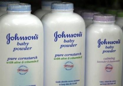 Johnson & Johnson bồi thường 72 triệu USD vụ phấn rôm gây ung thư