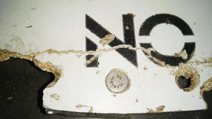 Lại phát hiện mảnh vỡ nghi của MH370 trên đảo Pháp