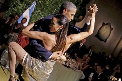 Clip Tổng thống Obama nhảy tango cùng nữ vũ công Argentina
