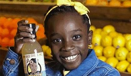 Bé gái 11 tuổi thành 'triệu phú' nhờ nước chanh tự pha chế