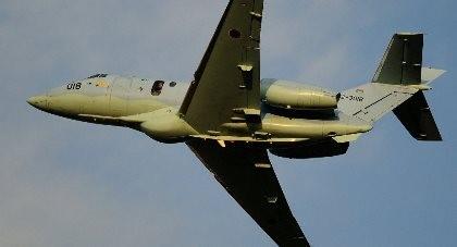 Máy bay quân sự Nhật chở 6 người mất tích