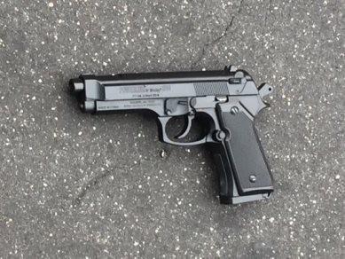 Mỹ: Cảnh sát bắn cậu bé 13 tuổi mang theo súng giả