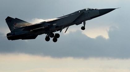 Máy bay Nga-Mỹ lại chạm trán