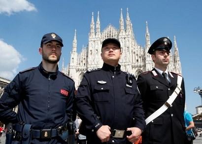 Cảnh sát Trung Quốc tuần tra trên đường phố Ý