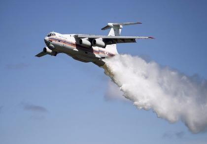 Đối phó cháy rừng, máy bay Nga cùng 10 người mất tích