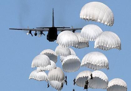 Thị trưởng Mỹ: NATO tập trận ở biên giới Nga gây nguy hiểm cho nhân loại