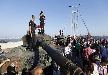 Nga đã cảnh báo cho Thổ Nhĩ Kỳ vài giờ trước đảo chính