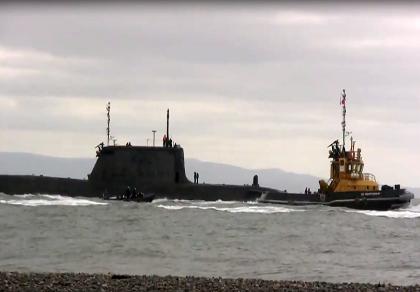 Tàu ngầm hạt nhân Anh va phải tàu chở hàng khi tập luyện