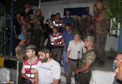 Thổ Nhĩ Kỳ bắt sống 11 biệt kích âm mưu bắt cóc tổng thống