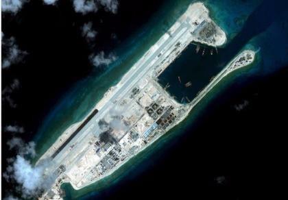 Siêu bão sẽ 'quét sạch' đảo nhân tạo Trung Quốc trên biển Đông?