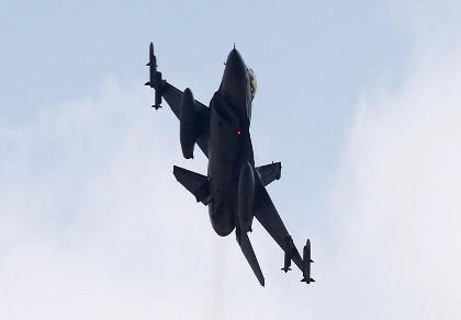 Máy bay đảo chính hết xăng, Tổng thống Thổ Nhĩ Kỳ thoát chết
