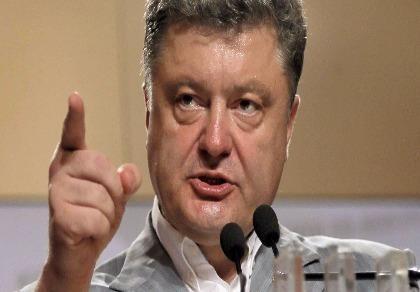 Tổng thống Ukraine ra lệnh quân đội gần Crimea sẵn sàng chiến đấu