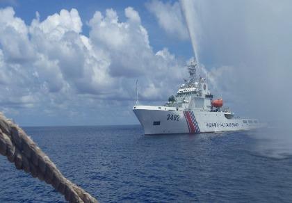 Trung Quốc vượt 'ranh giới đỏ' ở biển Đông