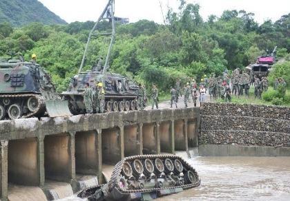 Xe tăng Đài Loan lật nhào xuống sông, 3 binh sĩ thiệt mạng