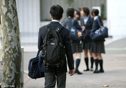 Nhật: Cha đâm chết con trai vì không chịu học hành