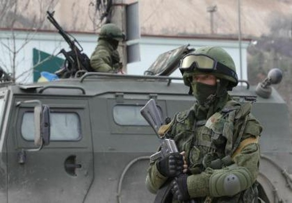 Tổng thống Putin bất ngờ lệnh tập trận gần Ukraine