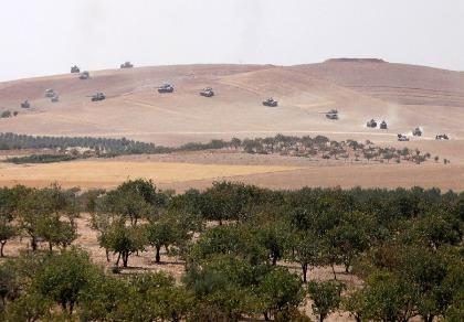 20 xe tăng Thổ Nhĩ Kỳ tràn vào biên giới Syria