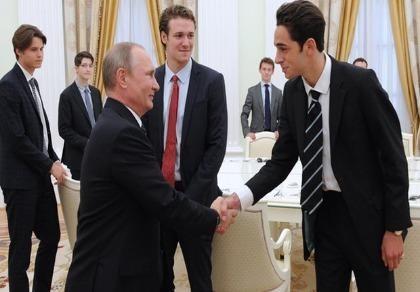 11 nam sinh Anh bí mật gặp Tổng thống Putin