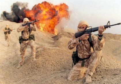 Lính bắn tỉa Anh bắn 1 phát đạn, 4 tay súng IS nổ tung