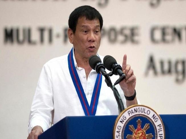 Ông Duterte xin lỗi vì nhầm lẫn trong danh sách ma túy