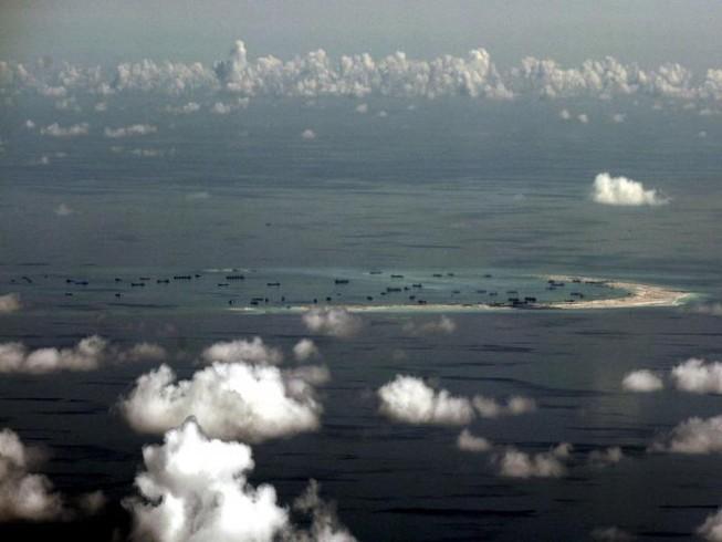 Trung Quốc điều máy bay giám sát, vẽ bản đồ biển Đông