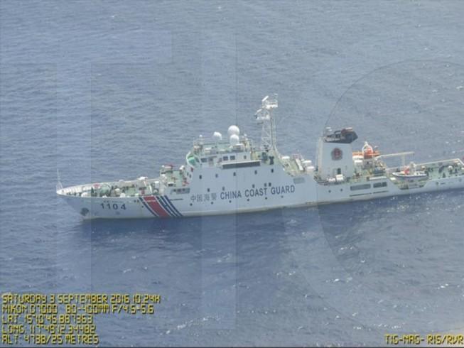 Trung Quốc quấy rối ngư dân Philippines ở Scarborough