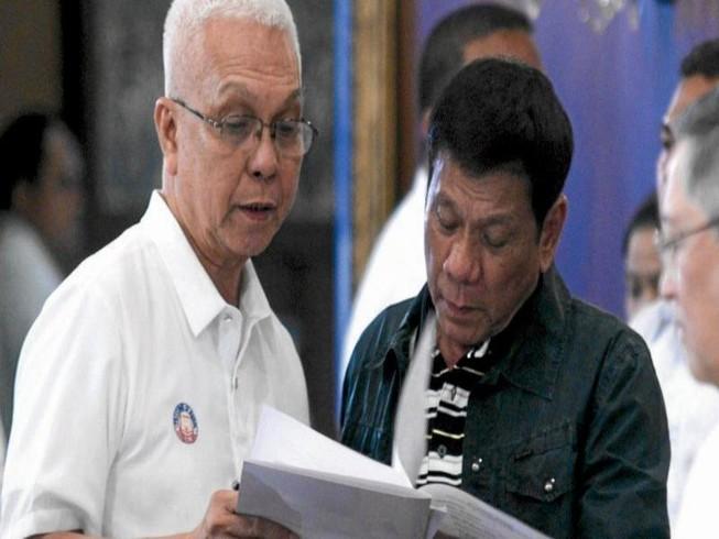 Tiết lộ đối tượng âm mưu lật đổ ông Duterte