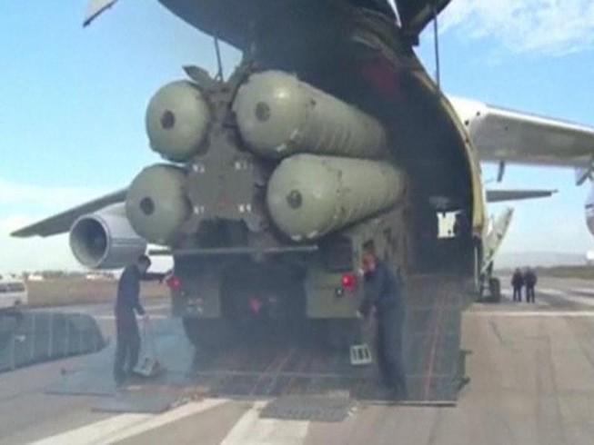 Nga cảnh báo bắn rơi máy bay Mỹ ở Syria