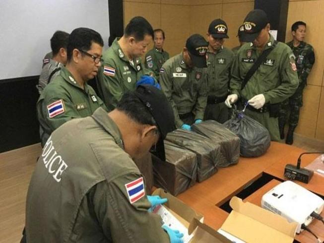 Thái Lan bắt kẻ âm mưu đánh bom ngay giữa quốc tang