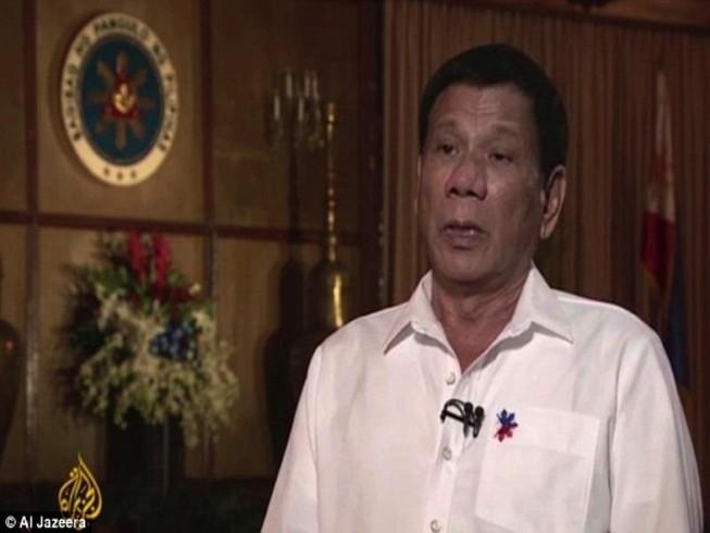 Tổng thống Duterte từng bị xâm hại tình dục