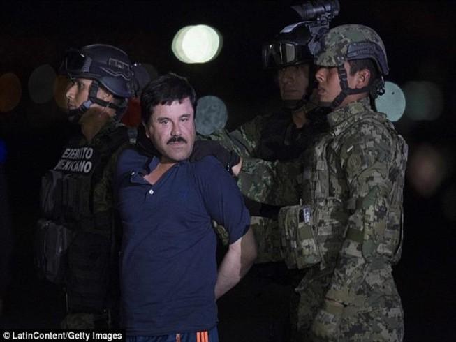 Trùm ma túy Guzman tố bị ngược đãi dẫn đến trầm cảm
