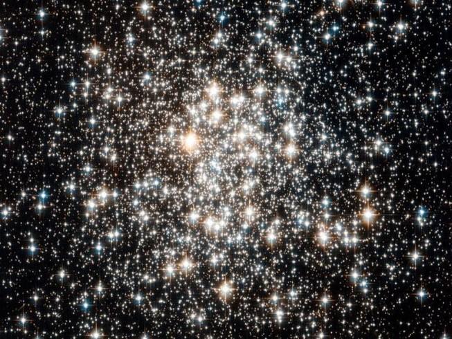 Tín hiệu lạ từ 234 vì sao là của người ngoài hành tinh?