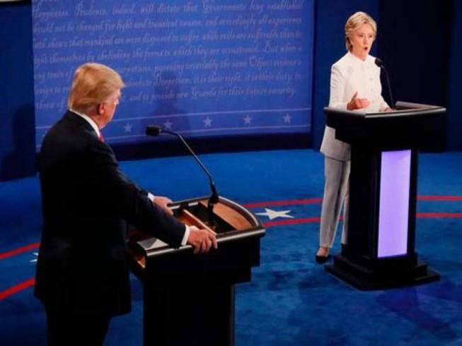 10 khoảnh khắc đáng nhớ mùa bầu cử Mỹ 2016