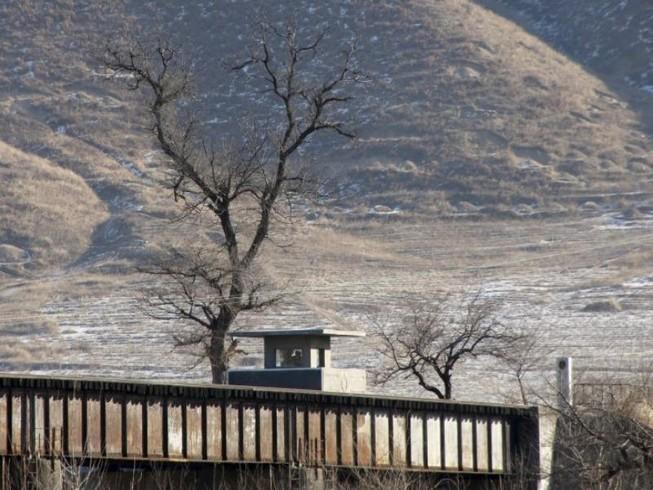 Trung Quốc bí mật xây căn cứ quân sự sát Triều Tiên