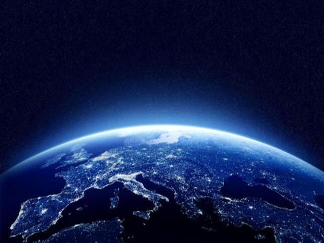 'Con người không thể sống trên Trái đất thêm 1.000 năm'