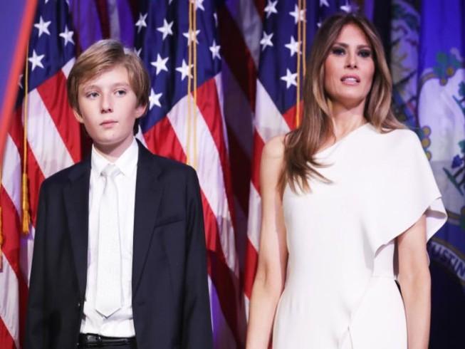 Bà Trump và con trai út không chuyển vào Nhà Trắng