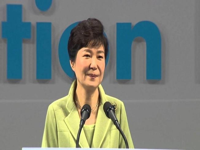 Đảng đối lập Hàn Quốc tìm cách phế truất tổng thống