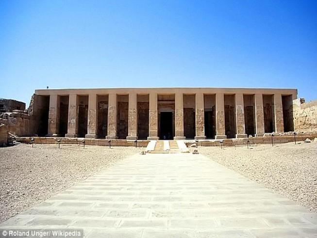 Ai Cập khai quật thành cổ bị mất tích 7.000 năm tuổi