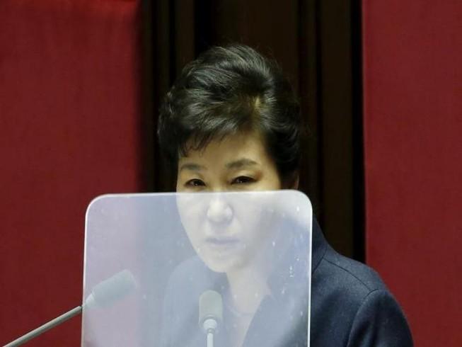 Sau biến cố, Tổng thống Hàn Quốc ẩn dật trong Nhà Xanh
