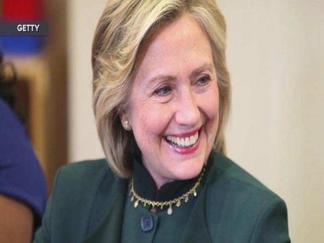 Ông Obama đã thuyết phục bà Clinton thừa nhận thất bại