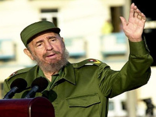 Cựu Chủ tịch Cuba Fidel Castro qua đời ở tuổi 90