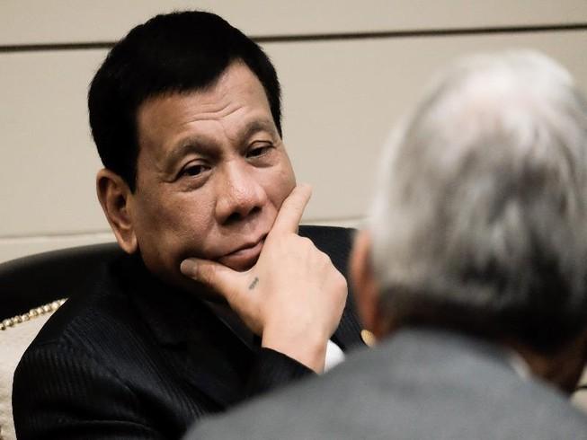 Philippines bác tin Tổng thống Duterte ngất xỉu