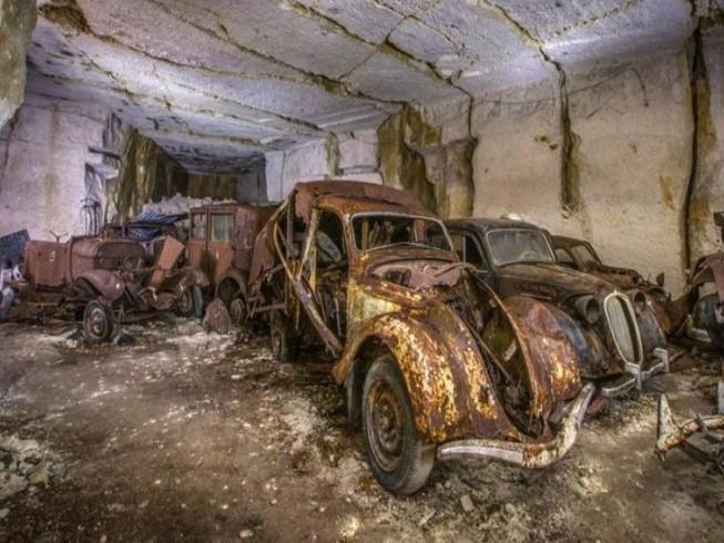 Phát hiện kho tàng xe cổ từ Thế chiến 2 ở Pháp