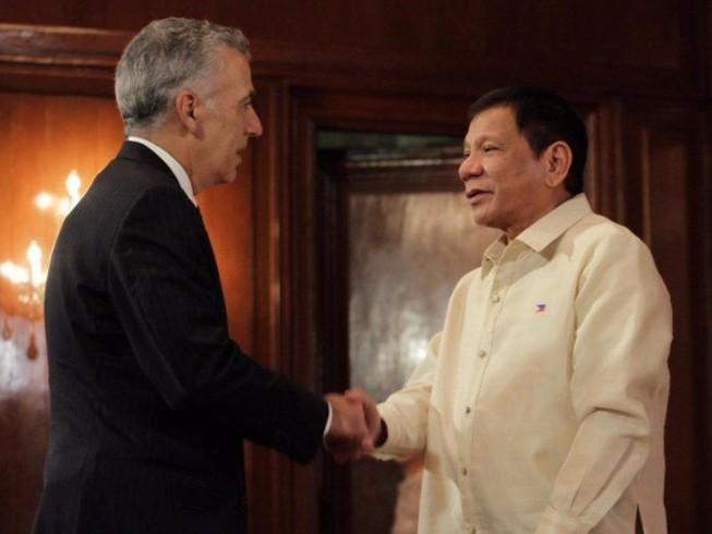Philippines tố cựu đại sứ Mỹ âm mưu lật đổ Duterte