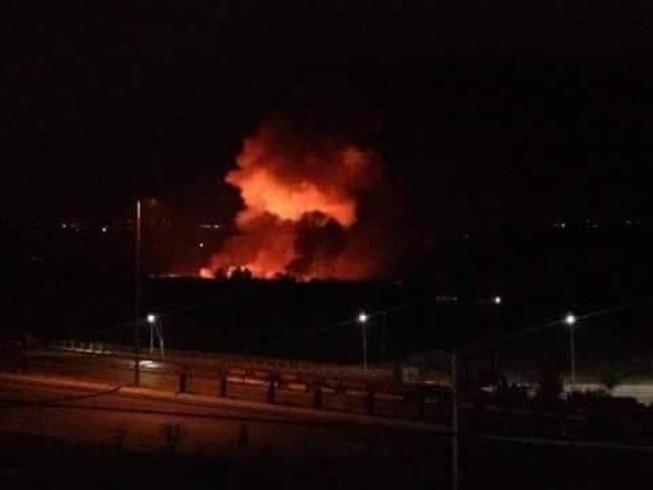 Máy bay Israel bất ngờ dội bom sân bay Syria