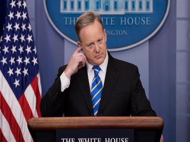 Ông Trump không hài lòng với phát ngôn viên Nhà Trắng?