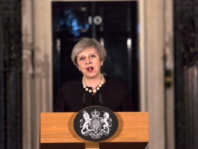 Thủ tướng Anh được giải cứu cách nơi khủng bố gần 40 m