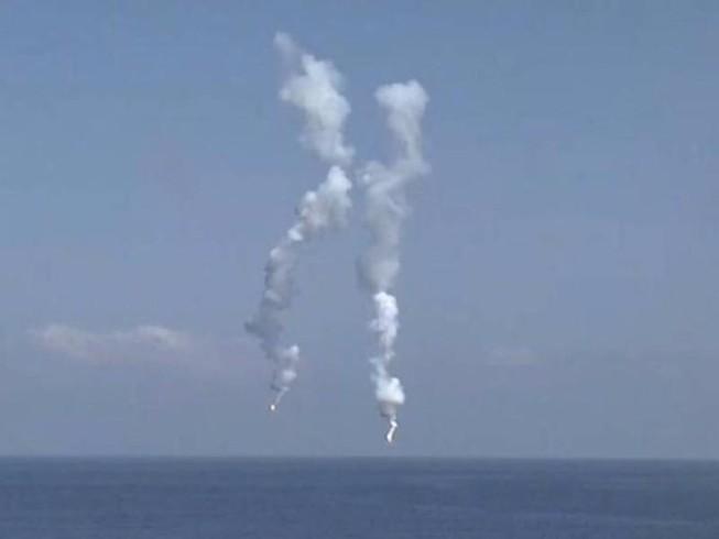Trung Quốc ngang nhiên tập trận 'chiếm đảo' ở biển Đông